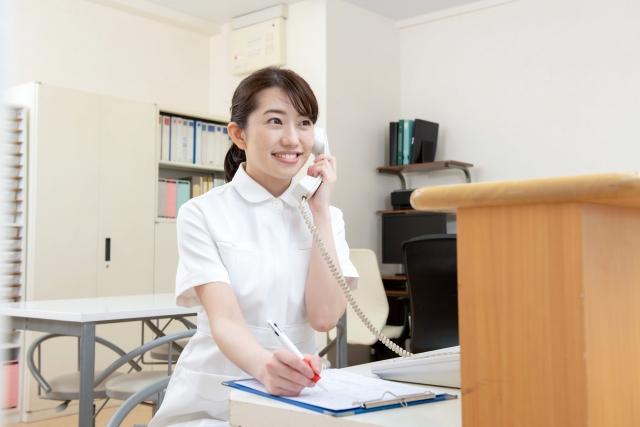 医療事務の電話対応は難しいけど慣れ